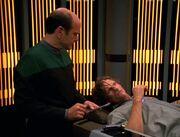 Der Doktor informiert Iko über seinen Zustand