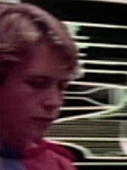 Zivilist Junge 2 USS Enterprise-D 2364 Sternzeit 41153