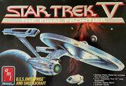 AMT Model kit 6876 USS Enterprise and Shuttlecraft 1989