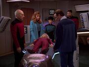 Crusher erklärt Troi für tot