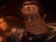 Dukat will alleine gegen die Klingonen kämpfen