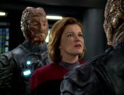 Janeway verhandelt mit dem Alpha