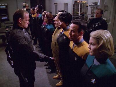 Devore inspizieren die Voyager