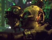 Kopf einer Borg-Drohne wird untersucht
