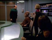 Der Doktor lehnt Janeways Vorgehen ab