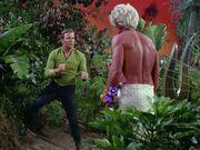 Kirk attacks Akuta