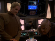 Sisko begutachtet den Wechselbalg