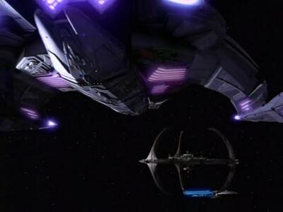 Dukats Jem'Hadar-Schlachtkreuzer erreicht Deep Space 9
