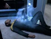 Das fremde Wesen verlässt Tuvok