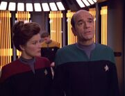 Janeway aktiviert den Doktor