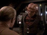 Quark beschwert sich bei Odo