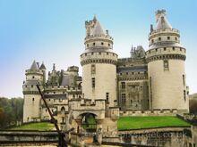 Pierrefonds castle~0