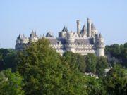 180px-Château de Pierrefonds vu depuis le Parc