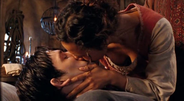 File:Merlin and Gwen Kiss.png