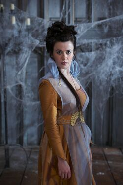 Merlin S1 Eve Myles 002