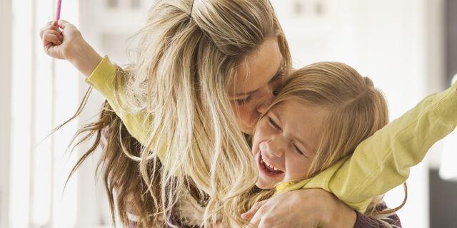 File:O-MOM-AND-DAUGHTER-facebook.jpg
