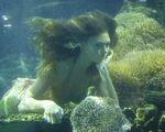 Cleo Underwater