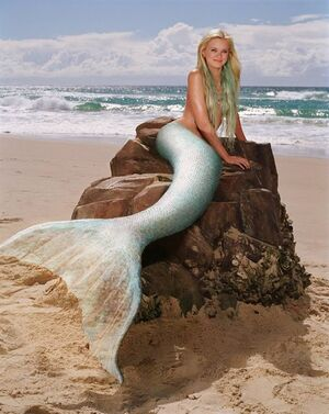 Sara paxton aquamarine dress color