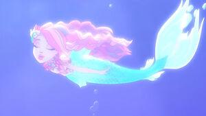 Meeshell Underwater