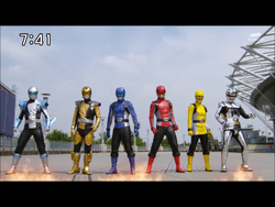 Space Sheriff Gavan Type-G team up with Spec Ops Cell Go-Busters