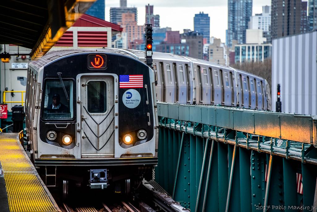 R160 subway car