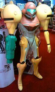 Metroid Prime lifesize statue