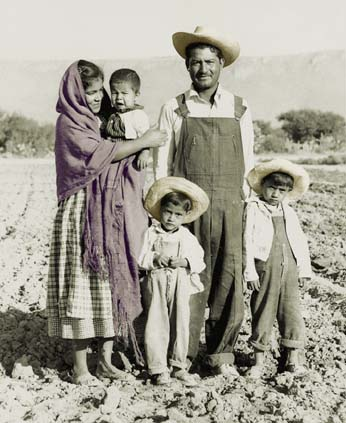 File:ImmigrationFamily20004.jpg