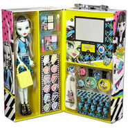 Frankie-Stein-How-Do-You-Boo-Doll-Carry-Case-2