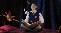 Mia w książce magia jest postaci