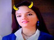 Violetta i jej rogi tym razem żółte