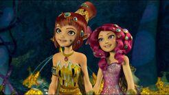 Yuko i Mia u Polytheusa