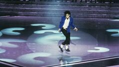 Michael-jackson-moonwalk-3-gty-thg-180423 hpMain 16x9 1600