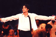 Michael-jackson-performance-1995-billboard-650