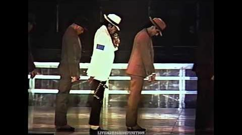 Michael Jackson - Smooth Criminal - Live Wembley 1988 - HD