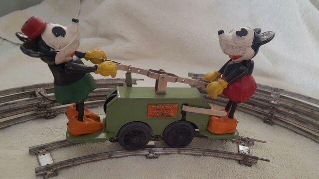 File:Mickey and minnie handcar.jpg