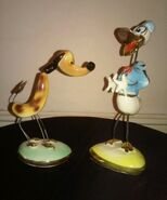 Vintage-ceramic-and-wire-made-in-italy-donald-duck-and-pluto-disneyana-figurines