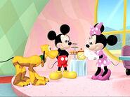 05-05-09-mickey-big-splash2