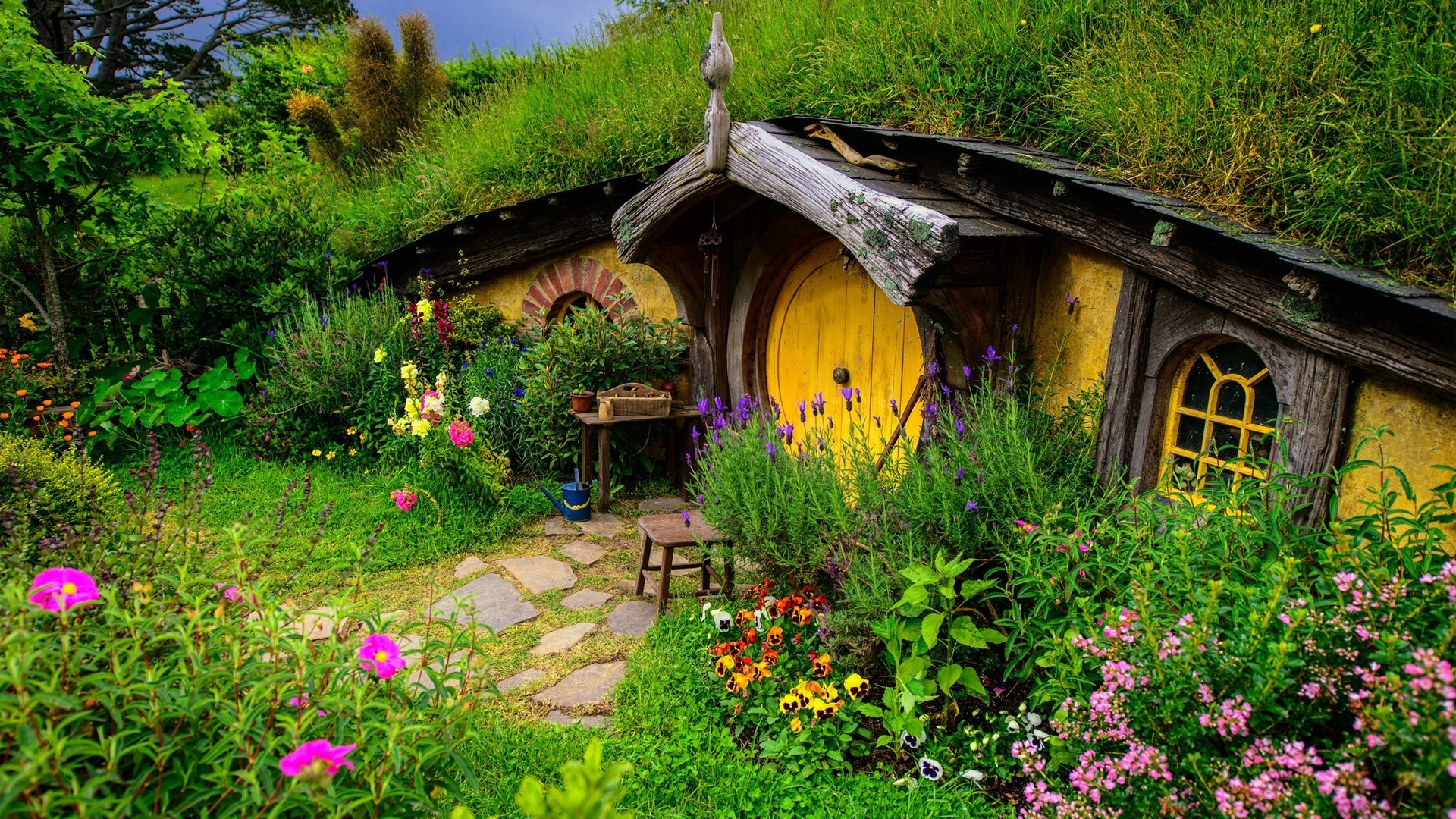 Image - Hobbit House.jpg | Middle Earth Roleplay Wiki | FANDOM ... on ocean homes, europe homes, moon homes, rivendell homes, pokemon homes, avalon homes, chinese farm homes, camelot homes, canada homes, maryland homes, love homes, hippie homes, brazil homes, hobbiton homes, shire homes, harry potter homes, paris homes, china homes, lord of the rings homes, south africa homes,