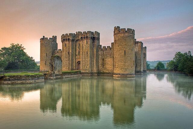 File:Bodiam castle.jpg