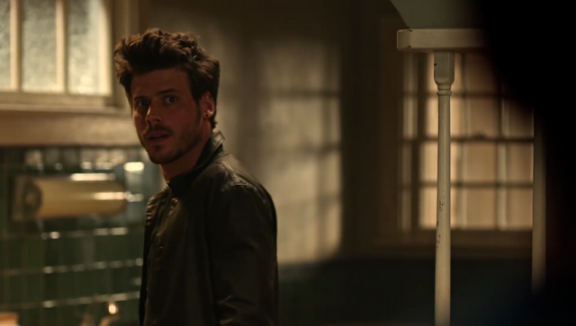 File:Midnight, Texas Screencap Promo 36~Manfred.png