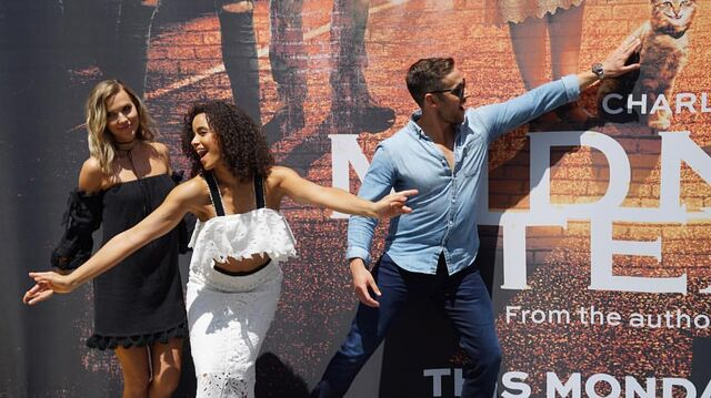 File:SDCC Comic Con 2017 - Arielle Kebbel, Parisa Fitz-Henley, and Dylan Bruce.jpg
