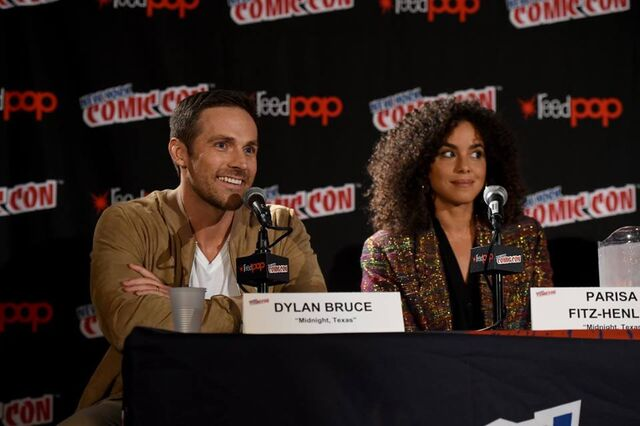 File:Midnight, Texas at New York Comic Con panel part 2.jpg
