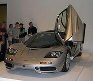 250px-1996 McLaren F1
