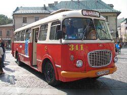 800px-Jelcz 272 MEX in Kraków (Mały Rynek)