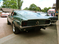 800px-Ford-Mustang-Fastback-arriere