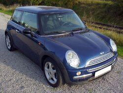 795px-Mini Cooper blue