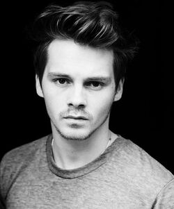 Sam Strike - 2014 Headshot