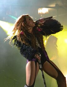 459px-Miley Cyrus - Gypsy Heart Tour - São Paulo 11