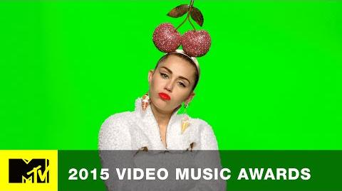 VMA 2015 Miley Cyrus Flips Out MTV