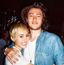 Miley-cyrus-braison-cyrus